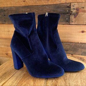 Steve Madden Edit blue velvet ankle sock boots  9M